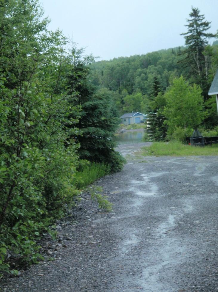 Exemple d'un ruissellement direct via un accès au terrain (Auteur : OBVMR_2010)